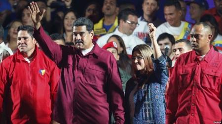 президент Венесуэлы сталкивается с согласованной и спланированной операцией США